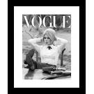 Brigitte Bardot Z PAPIEROSEM- NA PLANIE FILMU - PLAKAT VOGUE, OKŁADKA CZARNO-BIAŁA